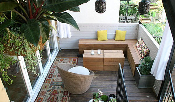 Un chill out en una terraza con jardin