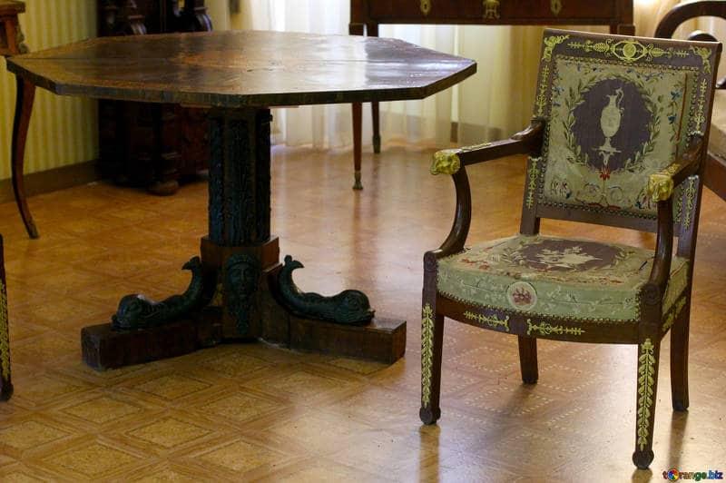 Mesa y silla estilo vintage